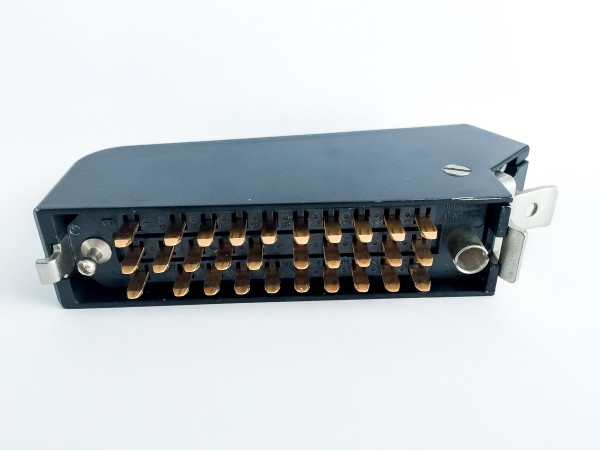 Siemens / Tyco or Amphenol Tuchel DIN 41622 30pin male connector